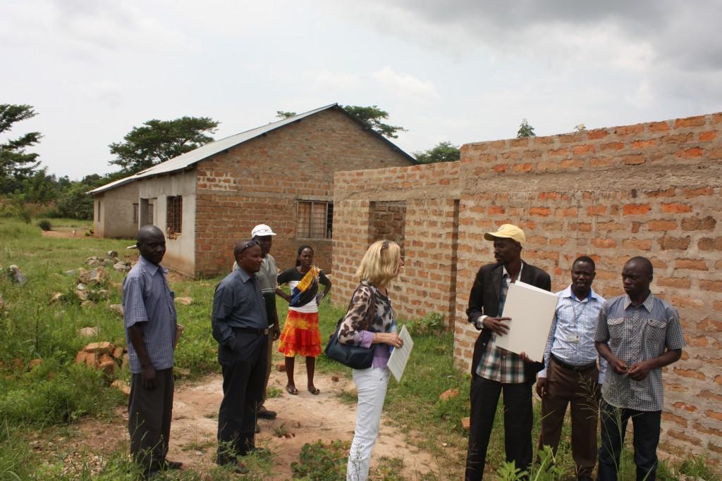 Aanbouw van woningen voor leraren